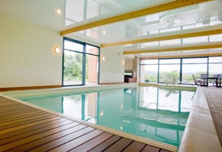 Espace bain et piscine, par Armoral, expert de la menuiserie aluminium à Brest